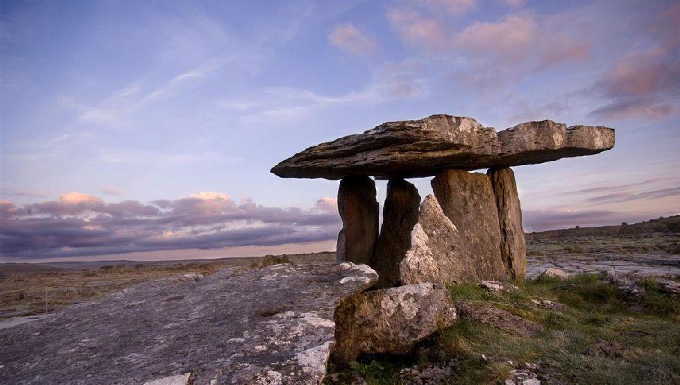 Poulnabrone Dolmen, Burren, Co. Clare